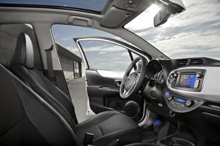 Toyota Yaris Hybrid Innenraum