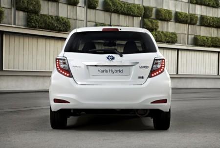 Toyota Yaris Hybrid Neu Heck