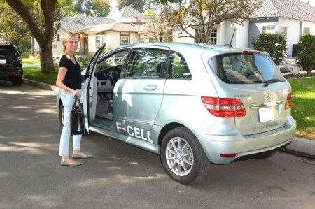 Mercedes-Benz B-Klasse F-Cell Diane Kruger Hydrogen powered EV