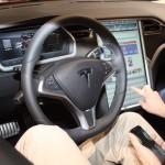 Vienna Autoshow 2014 Tesla Innenraum