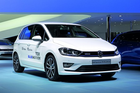 VW-Golf-Sportsvan-TDI-BlueMotion-Front
