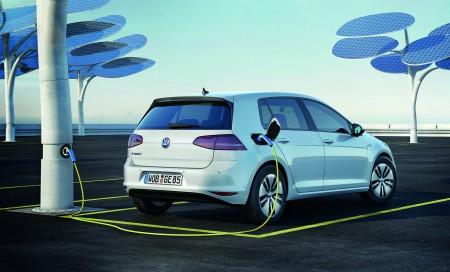 VW-Golf-e-Golf-Volkswagen-Ladung-Heck