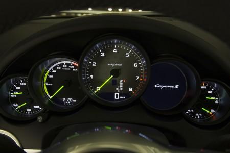 Porsche Cayenne S E-Hybrid Cockpit