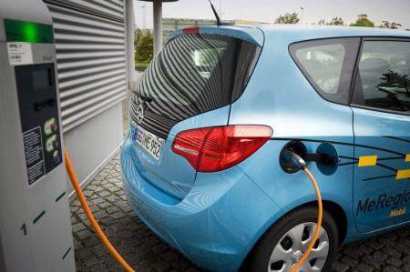 Elektroautos als rollende Energiespeicher