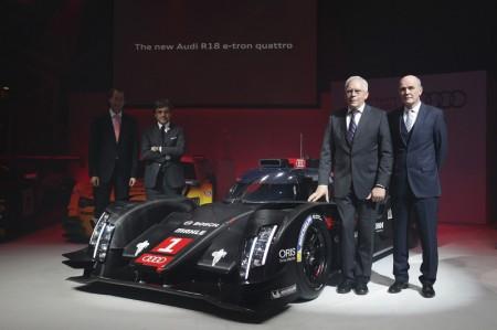 Audi-Motorsportchef-Wolfgang-Ullrich-Entwicklungsvorstand-Ulrich-Hackenberg-Rennwagen-Audi-R18-e-tron