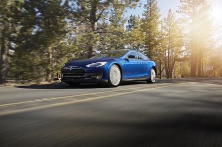 Tesla-Model-S-70D